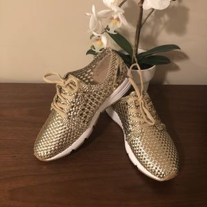 Moving Sale! 🆕 NIB 🎁 Gold Woven Sneakers